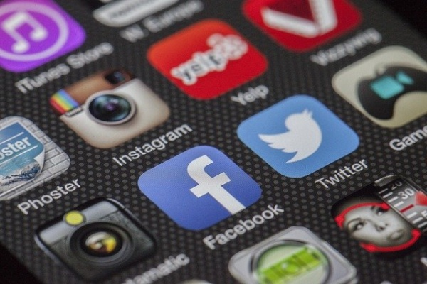 logos réseaux sociaux iphone